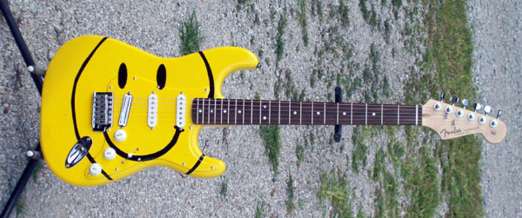 смайлик с гитарой: